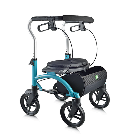 Choosing a 4-Wheel Walker – Why It's Important To Have an Expert Fit You